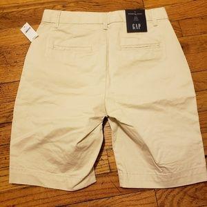 women's khaki Bermuda shorts
